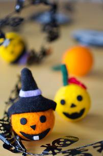 ハロウィンのお化けかぼちゃマスコットの写真素材 [FYI03207609]