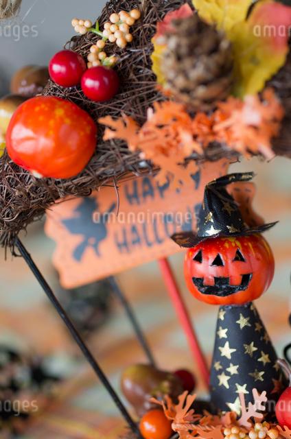 ハロウィンのお化けかぼちゃデコレーションの写真素材 [FYI03207619]