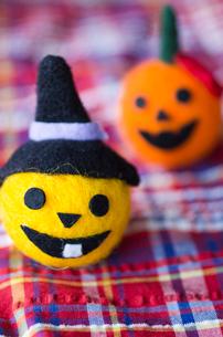 ハロウィンのお化けかぼちゃマスコットの写真素材 [FYI03207621]