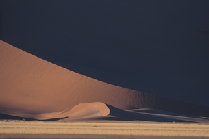 ナミビアの砂丘 夏の写真素材 [FYI03207652]