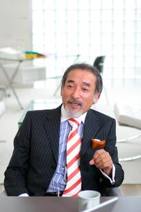 中高年の日本人ビジネスマンの写真素材 [FYI03209073]