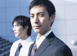 2人の日本人ビジネスマンの写真素材 [FYI03209625]