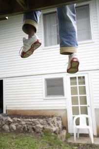 男の子の足の写真素材 [FYI03209743]