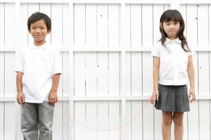 男の子と女の子の写真素材 [FYI03210352]