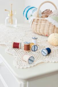 糸と手芸道具の写真素材 [FYI03213522]