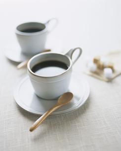白いコーヒーカップの写真素材 [FYI03213549]
