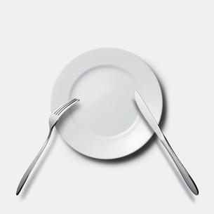 皿とフォークとナイフの写真素材 [FYI03213669]