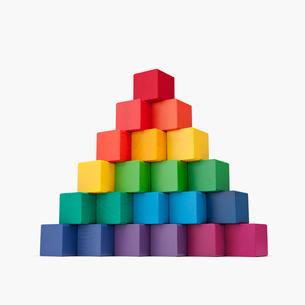 積み木のピラミッドの写真素材 [FYI03213808]