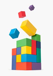 積み木のタワー データが最適化されるイメージの写真素材 [FYI03213813]