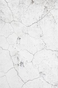 ひびの入ったコンクリート壁の写真素材 [FYI03213833]