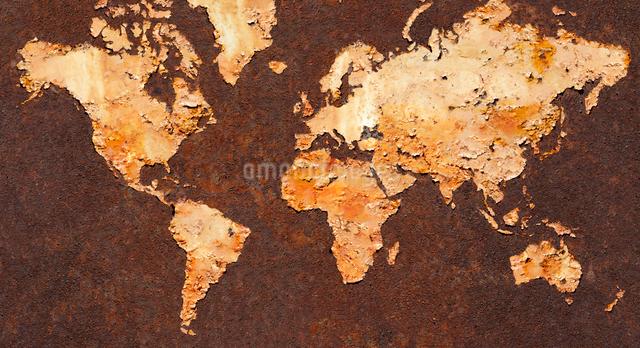 さびた鉄板の世界地図の写真素材 [FYI03213870]