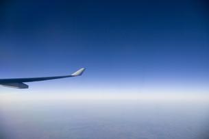 飛行機の中から見える雲海の写真素材 [FYI03214366]