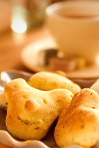 動物顔のパンの写真素材 [FYI03214577]