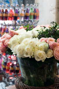 花屋のバラの写真素材 [FYI03214611]