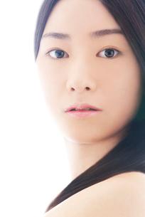 20代日本人女性ビューティーイメージの写真素材 [FYI03215008]