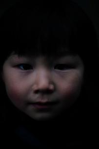 子供の顔の写真素材 [FYI03215196]