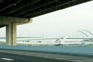 海に掛かる橋の写真素材 [FYI03215421]