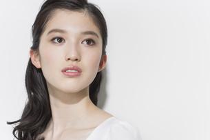 日本人女性のビューティーイメージの写真素材 [FYI03215517]