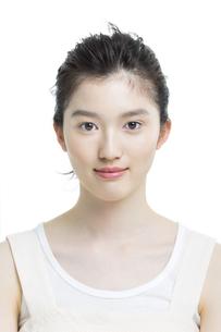 若い女性の美容イメージの写真素材 [FYI03215950]