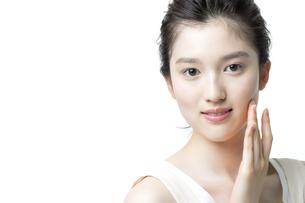 若い女性の美容イメージの写真素材 [FYI03215954]