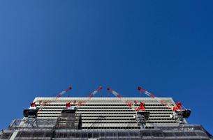 建築現場のクレーンの写真素材 [FYI03215981]