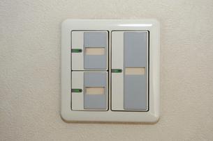 室内灯のスイッチの写真素材 [FYI03216218]