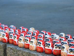 勝尾寺の勝ちダルマの写真素材 [FYI03216659]