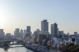 夕暮れの大阪の写真素材 [FYI03216810]
