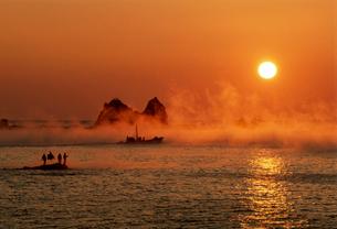 田原の海霧の写真素材 [FYI03217071]