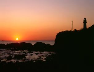 潮ノ岬の夕陽の写真素材 [FYI03217076]