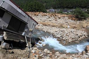 台風12号で那智川氾濫による水害の写真素材 [FYI03217159]