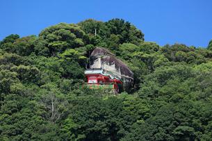 神倉神社とゴトビキ岩の写真素材 [FYI03217349]