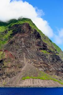 小笠原諸島 北硫黄島 南側長根鼻付近 崩れた土砂の写真素材 [FYI03218014]