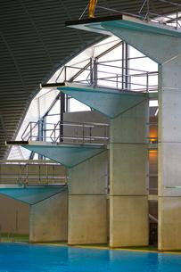 高飛び込み競技の飛び込み台の写真素材 [FYI03219696]
