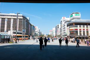 姫路駅前から姫路城を望むの写真素材 [FYI03219809]
