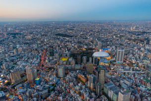 東京ドームライトアップ,空撮の写真素材 [FYI03219863]
