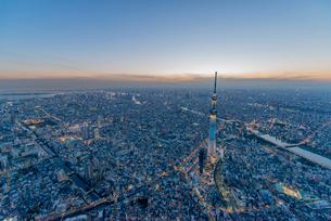 東京スカイツリーライトアップ,空撮の写真素材 [FYI03219865]