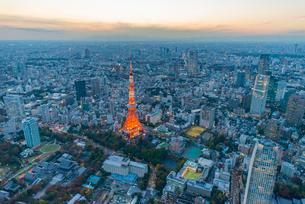 東京タワーライトアップ,空撮の写真素材 [FYI03219868]