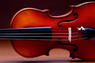 バイオリンのアップの写真素材 [FYI03219928]