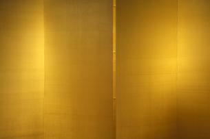 市立安江金箔工芸館の金屏風の写真素材 [FYI03222546]