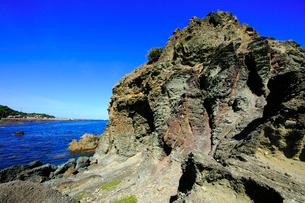 千畳敷の入り組んだ地層と海の写真素材 [FYI03223027]