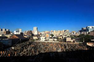 京急沿線の墓地の写真素材 [FYI03223161]