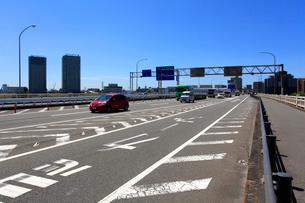 六郷橋と国道15号線の写真素材 [FYI03223175]