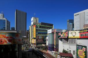 京急川崎駅の市街地の写真素材 [FYI03223181]