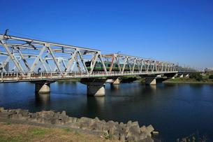 多摩川と東海道本線の写真素材 [FYI03223191]