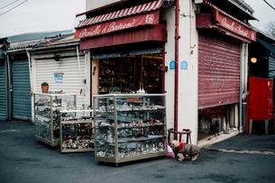 クリニャンクールのお店の写真素材 [FYI03223907]