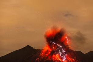桜島の火山雷の写真素材 [FYI03224046]