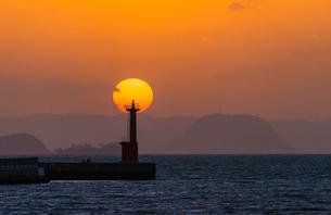 加布里の夕陽の写真素材 [FYI03224065]