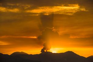 阿蘇の噴火の写真素材 [FYI03224080]