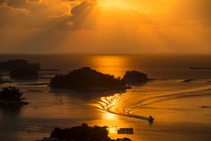 九十九島の夕陽の写真素材 [FYI03224085]